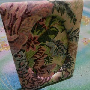 Vtg homedecor accent shab-chic floral fabric frame
